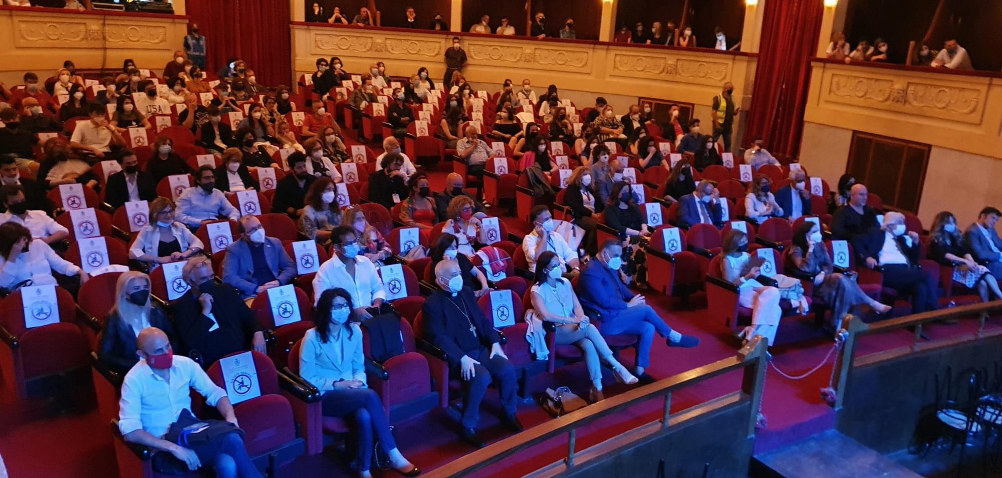 Il teatro riparte